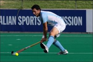 Fernando Zylberberg, capitaine de la sélection argentine de hockey, est au cœur d'une énorme polémique entre son pays et l'Angleterre